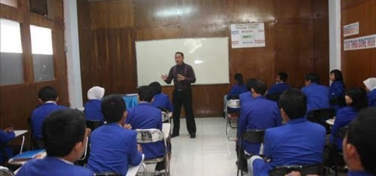"""STIM Lasharan Jaya, Gelar Workshop """" Teori Pengambilan Keputusan """""""